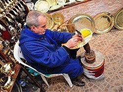 Compras en Fez, Artesano del cobre