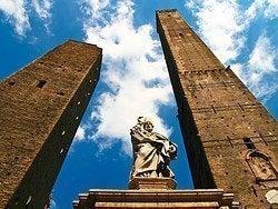 Bolonia, torres Garisenda y Asinelli