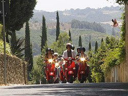 Recorriendo la Toscana en vespa