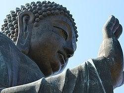 Buda Tian Tan saludando a Hong Kong