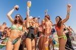 Fiesta en catamarán Beautiful People Ibiza