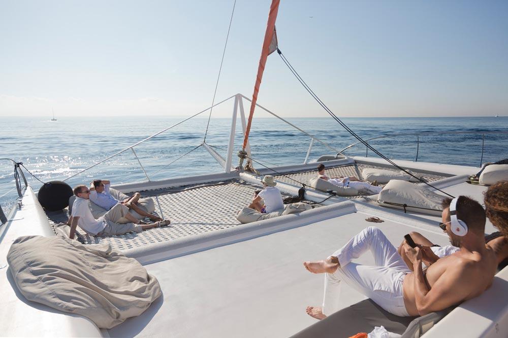 Relajados en el catamarán a Formentera