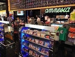 Aeropuerto de Ibiza, tiendas
