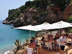 Uno de los múltiples Beach Clubs de Ibiza