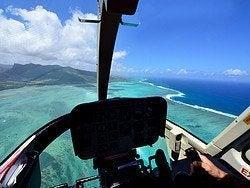 Sobrevolando las aguas azules de Mauricio