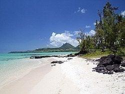 Playa virgen en Isla Mauricio