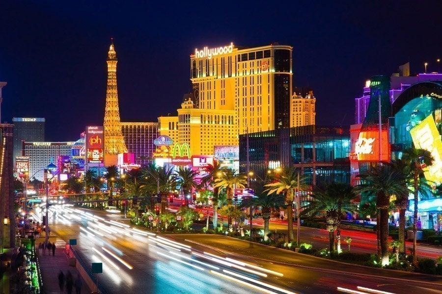 Strip de Las Vegas al anochecer