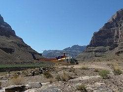 Helicóptero en el Gran Cañon