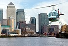 Helicóptero junto a Canary Wharf