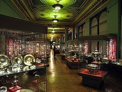 Victoria and Albert Museum, coleccion