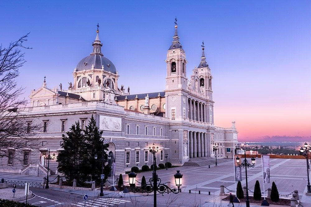 Puerta Del Sol A Pra A Mais Famosa De Madrid
