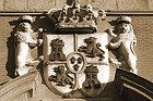 Escudo en el Palacio de los Consejos
