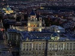 Palacio Real y Catedral de la Almudena desde el aire