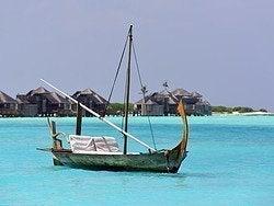 Barco tradicional maldivo