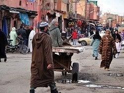 Calle en el límite de la Medina