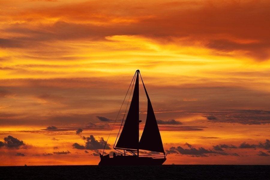 Resultat d'imatges de navegando velero