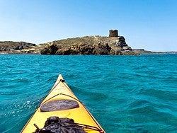 En kayak por el litoral de Menorca