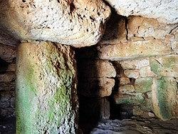 Talatí de Dalt, interior cueva