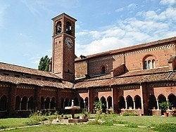 Abadia Chiaravalle, claustro