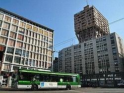 Autobús en Milán, Torre Velasca