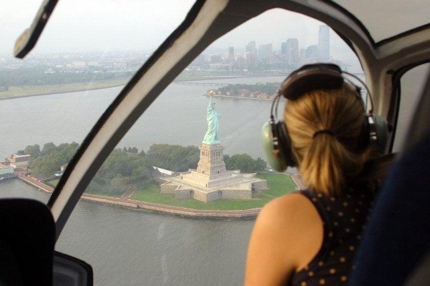 Sobrevolando la Estatua de la Libertad