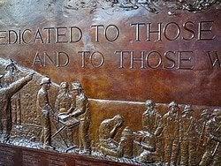 World Trade Center, Monumento a los Bomberos