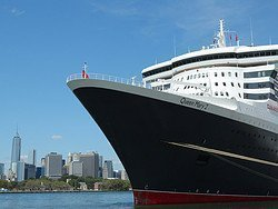 Cruise Terminal in New York, Queen Mary 2