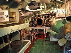 Submarino Growler, sala de torpedos