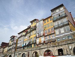 Terraced houses in Ribeira