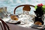 Paseo en barco con comida