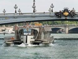 Atravesando el Puente de Alejandro III