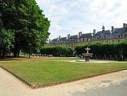 Plaza Des Vosges