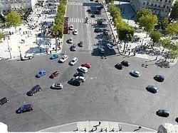 Arc de Triomphe, roundabout