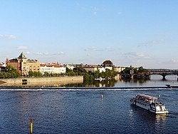 Praga de barco, passeio pelo rio Moldava