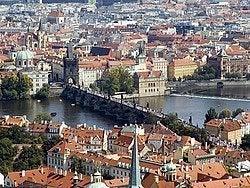 Historia de Praga, Puente de Carlos IV