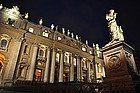 St Peter's Basilica, statues