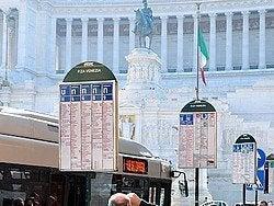 Autobuses en Roma, parada de autobús