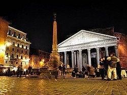 Panteon, Piazza della Rotonda