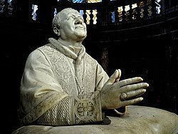 Basilica di Santa Maria Maggiore, statua di Pio IX