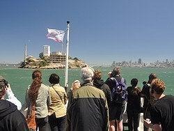 Acercándonos a la isla de Alcatraz