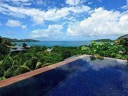 Piscina de la villa del hotel Raffles Praslin