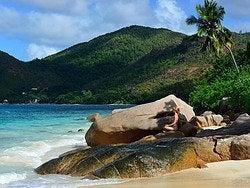 Practicando Yoga en Seychelles