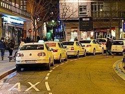 Taxis esperando en Poniente