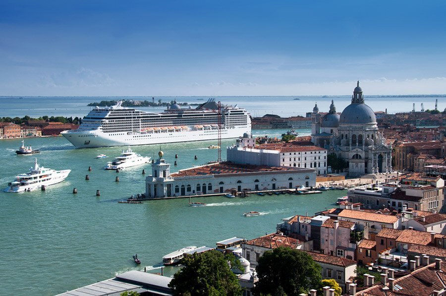 How to get to Venice - By plane, car, bus or train