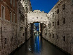 Bridge of Sighs at dusk
