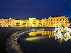 Palacio Schönbrunn al anochecer