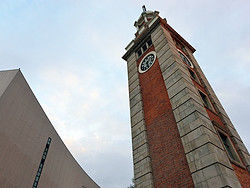 [Imagem: torre-reloj-tsim-sha-tsui.jpg]