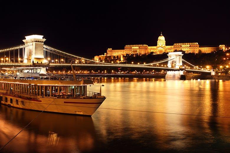 Croisière à Budapest avec musique en direct (22h00)