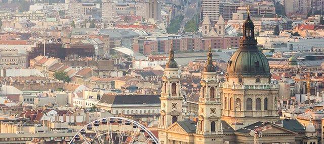 25-Minute Flight Over Budapest