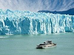 Navegando junto al Perito Moreno